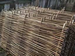 Забор деревянный с орешника